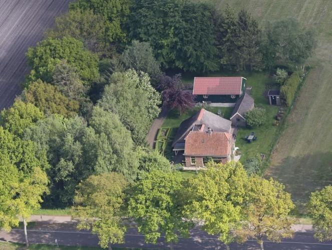 luchtfoto B&B 't Kragelhuus in Boijl
